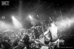sine-frontera-sul-palco-caotic-age